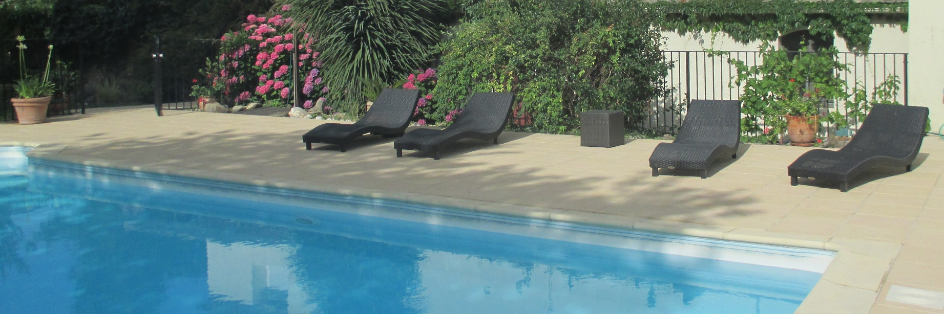 la piscine gîtes La Filature